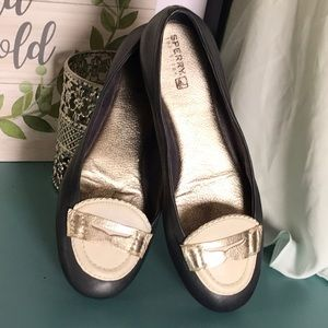 Sperry navy, ivory & gold penny loafer flats 6.5M